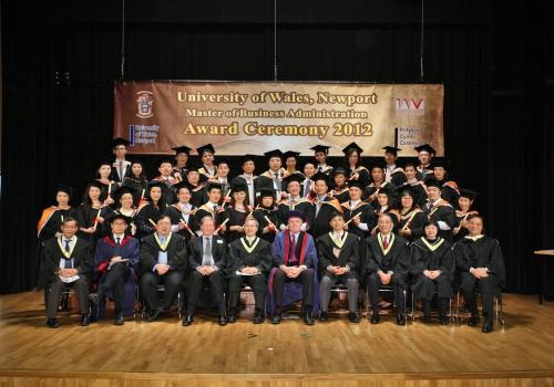 2012-12-08 – 2012年英國威爾斯(紐波特)大學MBA畢業禮暨12周年慶典相簿